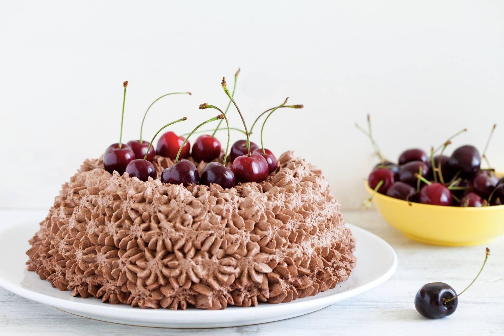 Angel cake al cocco e ciliegie - Parmalat