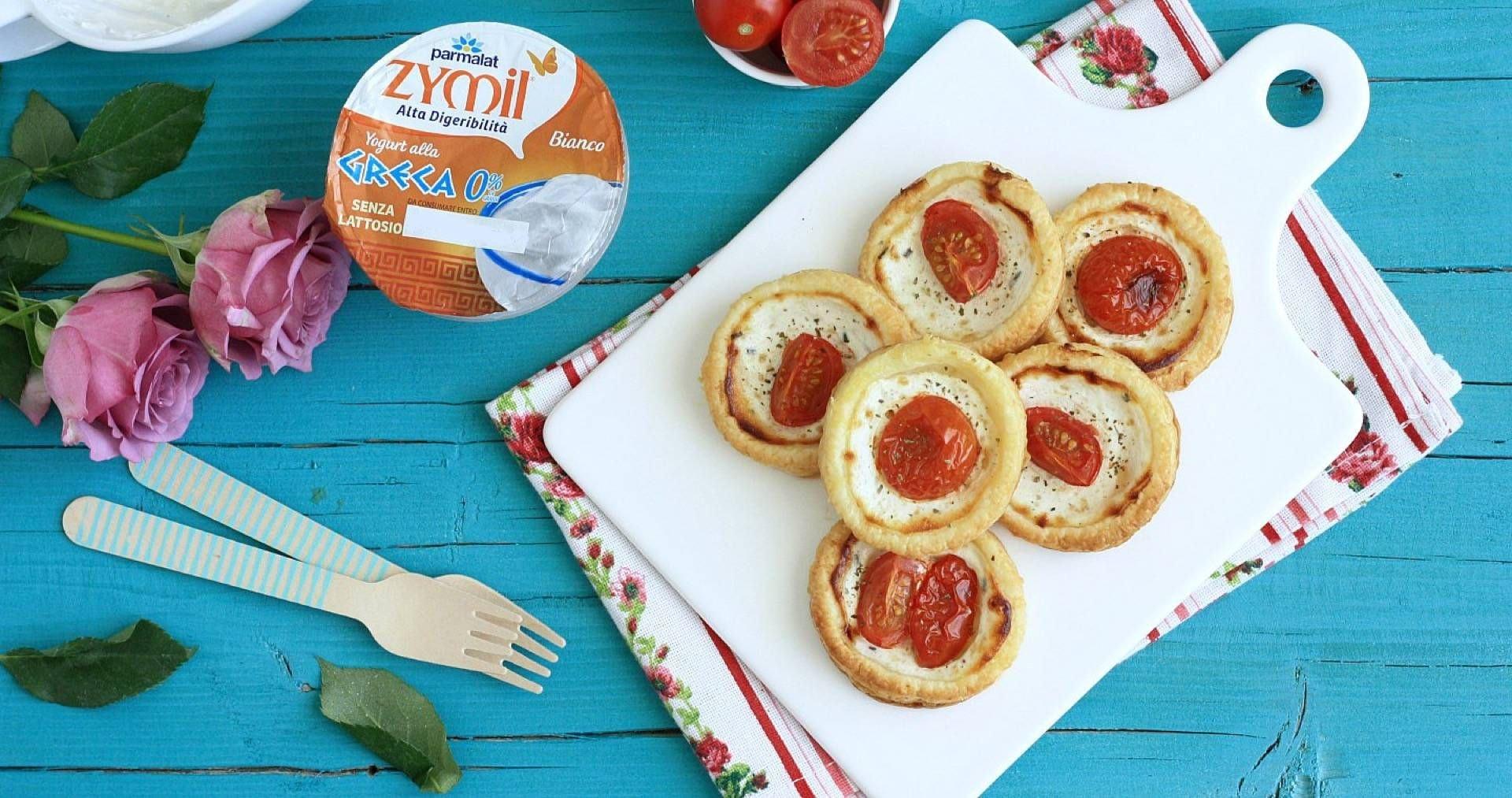 Pizzette di sfoglia con yogurt greco e pomodorini - Parmalat