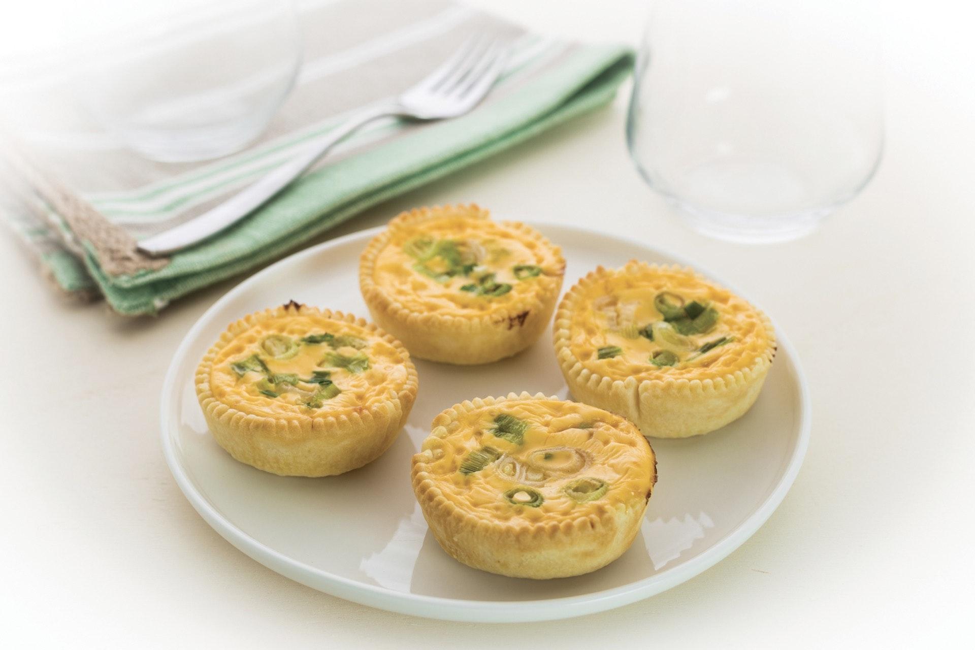 Tartellette con cipollotti e salmone - Parmalat