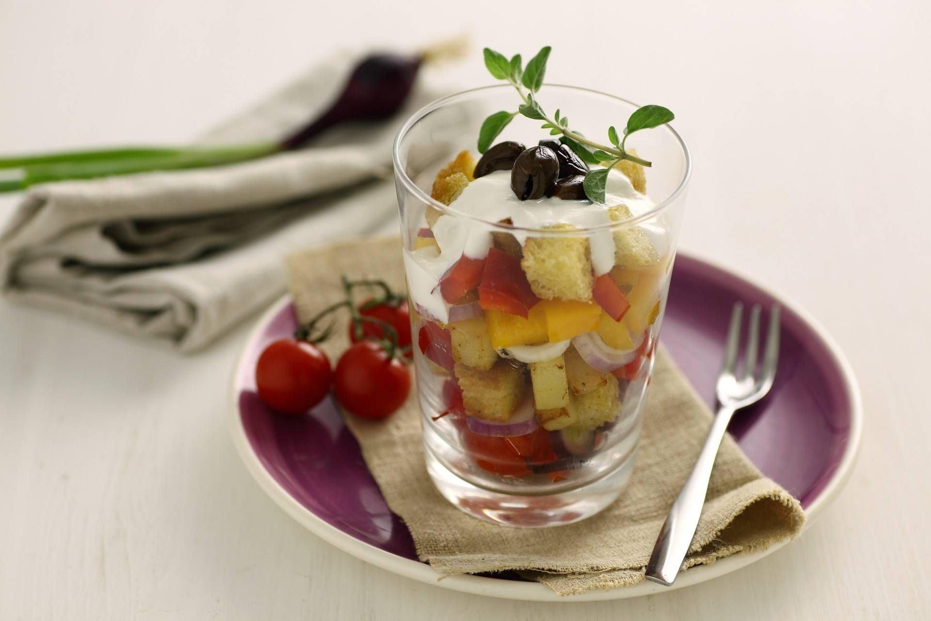 Bicchierini di panzanella con verdure miste - Parmalat