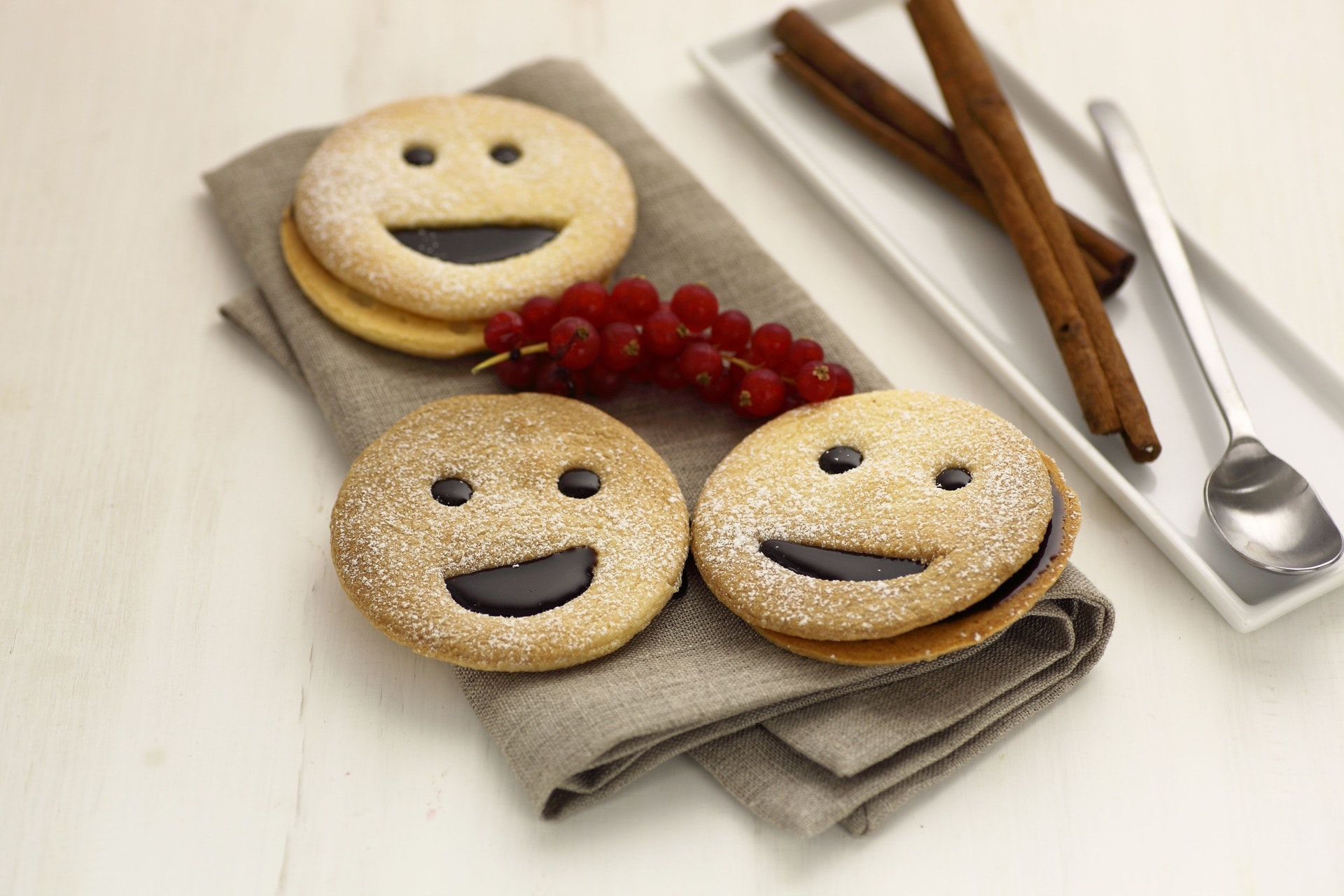 Biscottini sorridenti - Parmalat
