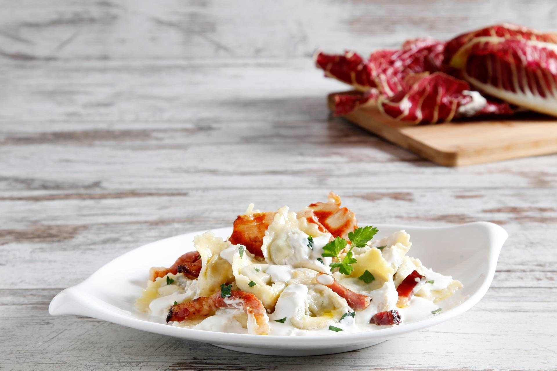 Tortellini con speck e radicchio - Parmalat