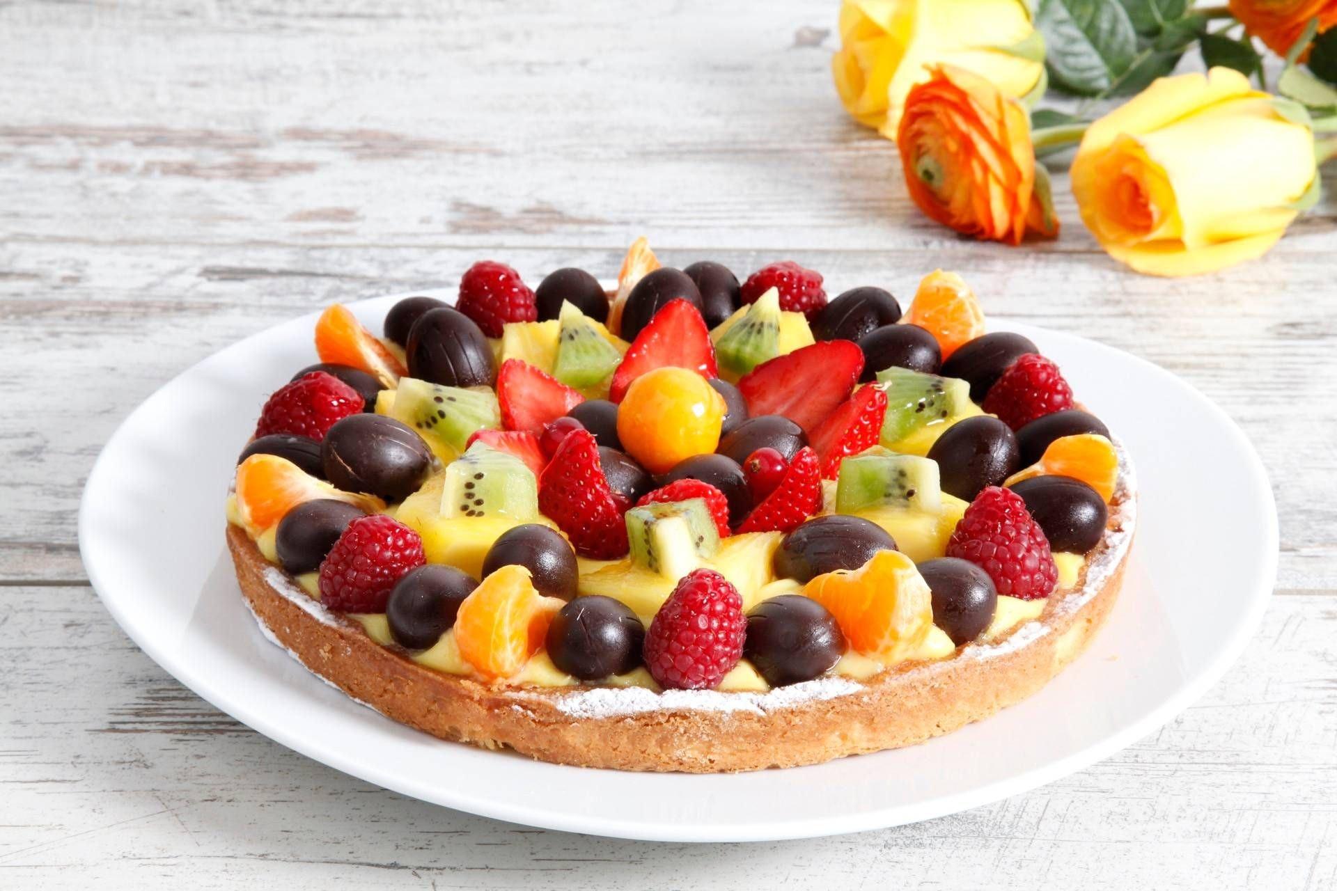 Crostata pasquale con crema pasticcera e frutta - Parmalat